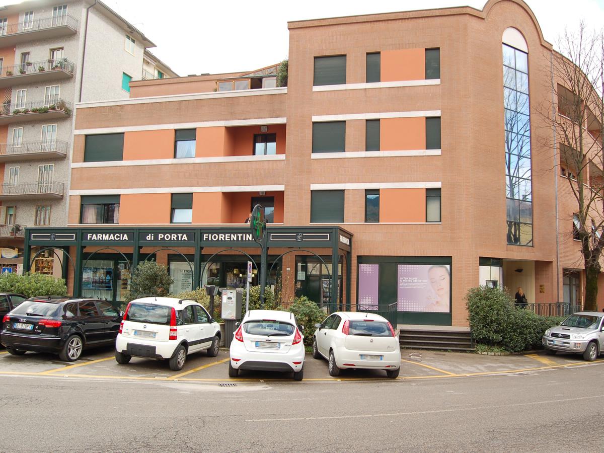 Ingresso esterno farmacia Porta Fiorentina