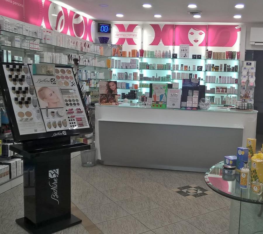 Prodotti cosmetici e dermocosmesi Farmacia